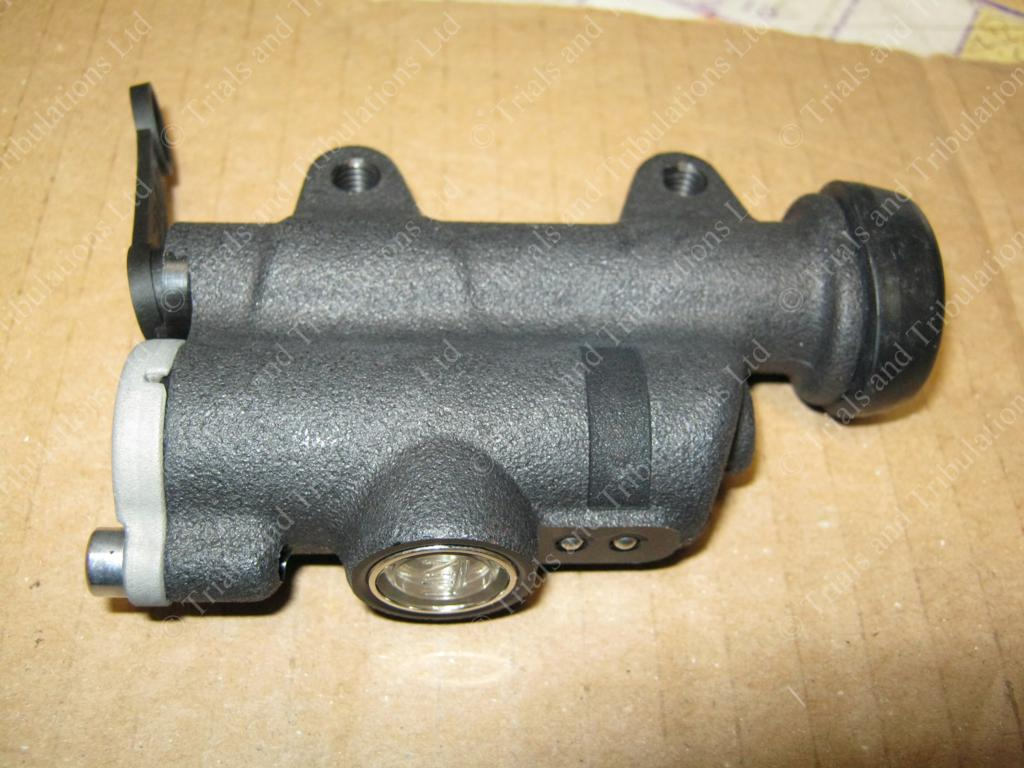 Beta Evo 2011 -on rear master cylinder assembly