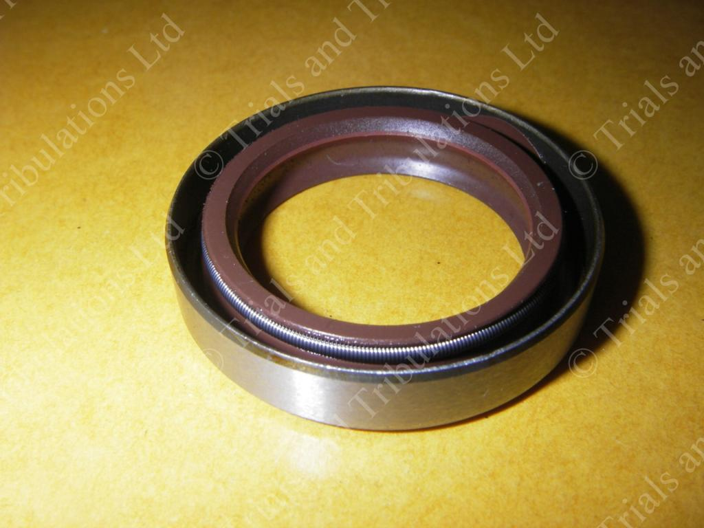 Gas-Gas Pro main bearing seal LHS 2002-on(small seal)