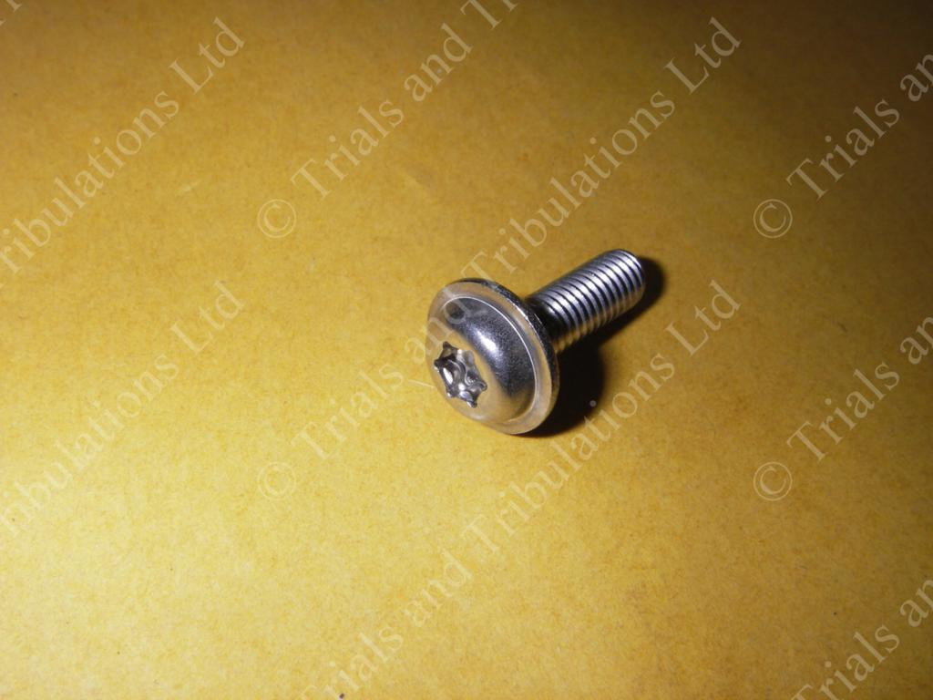 Ossa airfilter 'tank' cover fixing screw