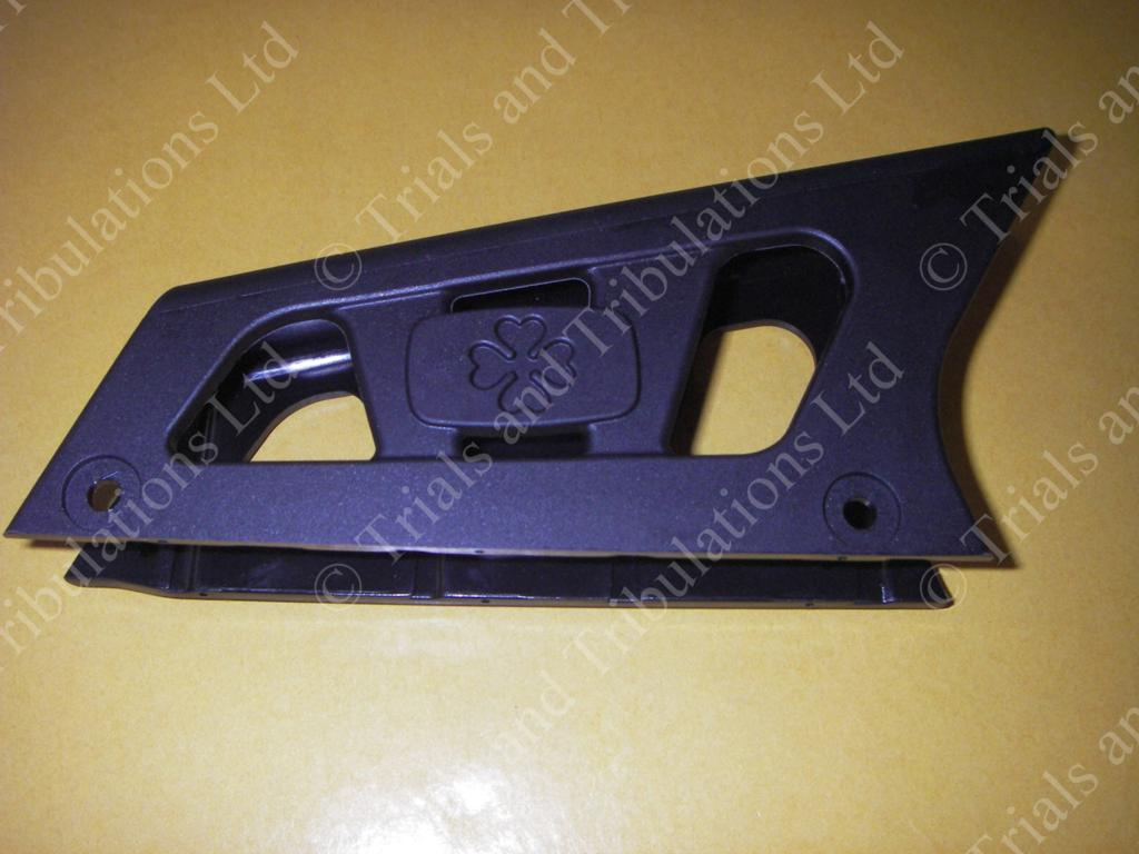 Ossa swingarm - top chain guard