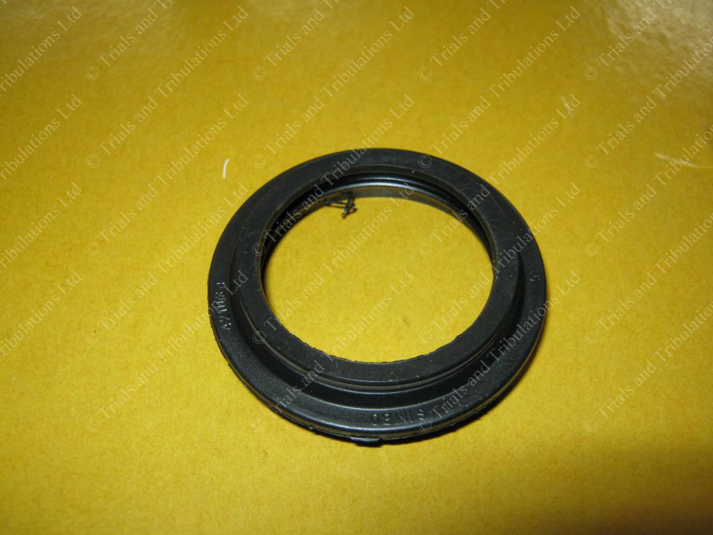 Paioli fork wiper seals (Beta,Sherco,Scorpa).Priced Each